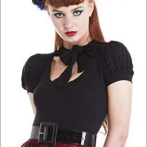 Classic black short sleeve pussybow top
